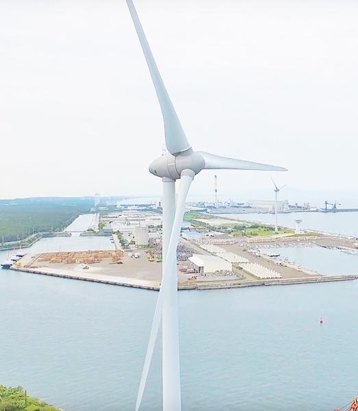 人と自然を繋ぐ地域のランドマークとなった風力発電